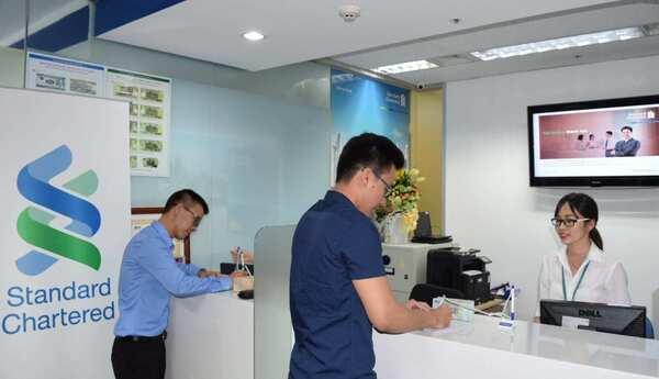 Ngân hàng Standard Chartered cung cấp nhiều số tổng đài khác nhau để phục vụ khách hàng tốt nhất